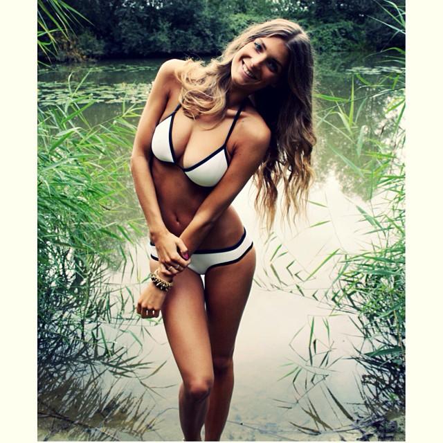 Sabrina carpenter nipple sexy girls photos abuse